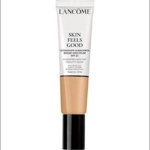 Lancôme Skin Feels Good Hydrating Skin Tint Almond